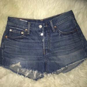 Levi Strauss 501 denim cutoff shorts Size Small.